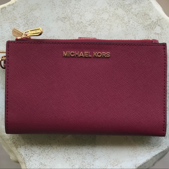 38001630dabe Michael Kors Jet Set Double Zipper Phone Wallet